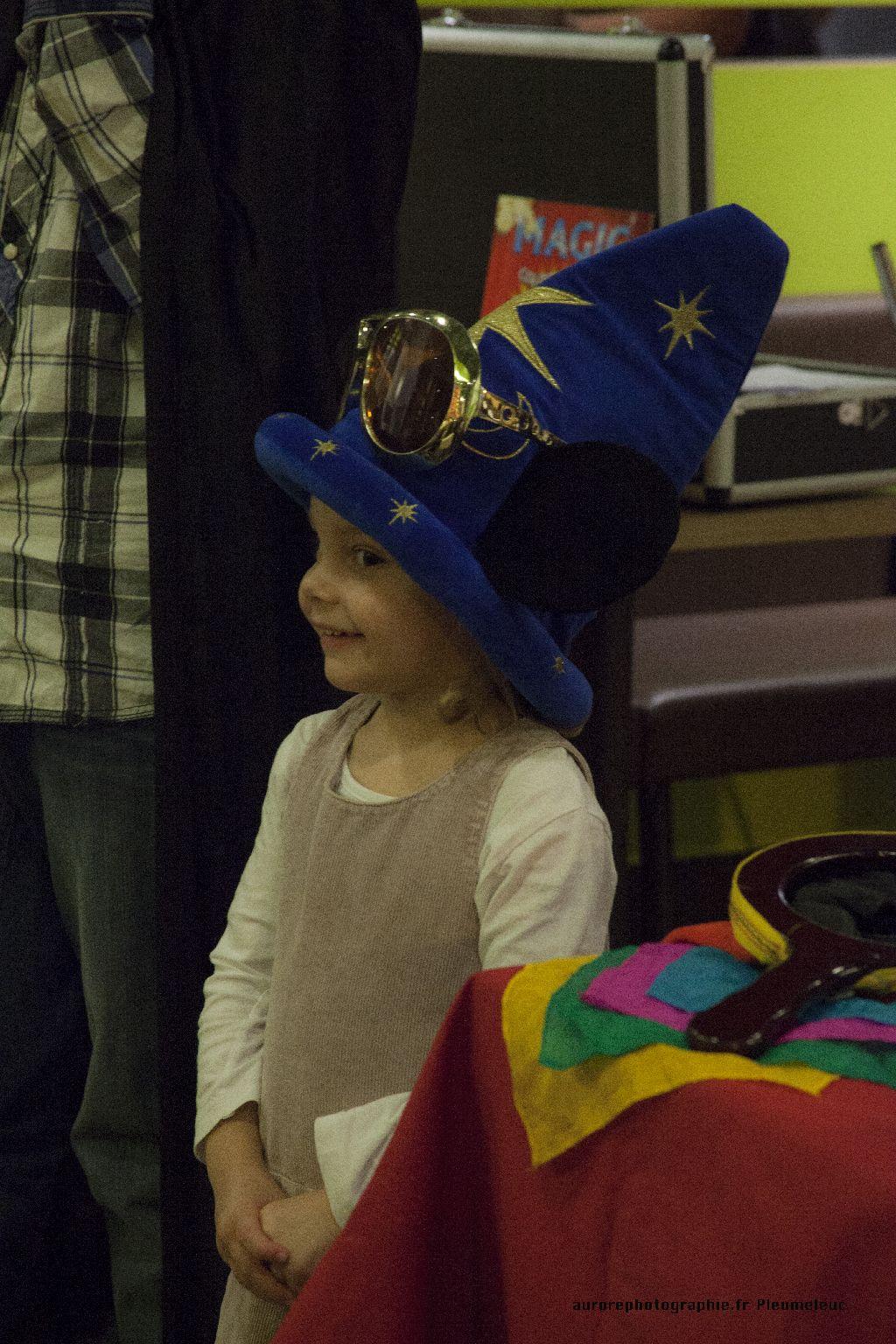 Spectacle de magie - magicien enfants - spectacle McDo - Magie Magicien -13