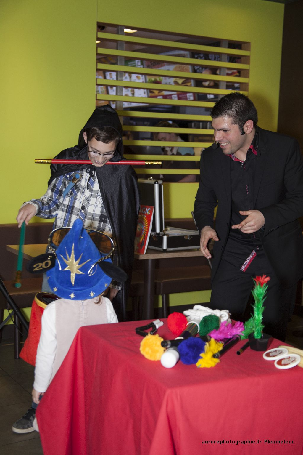 Spectacle de magie - magicien enfants - spectacle McDo - Magie Magicien -20
