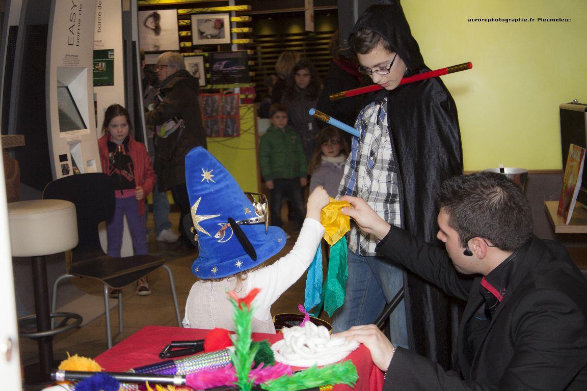 Spectacle de magie - magicien enfants - spectacle McDo - Magie Magicien -21