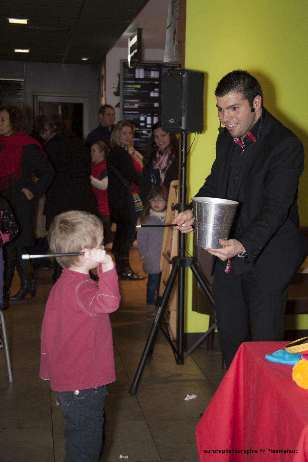 Spectacle de magie - magicien enfants - spectacle McDo - Magie Magicien -30