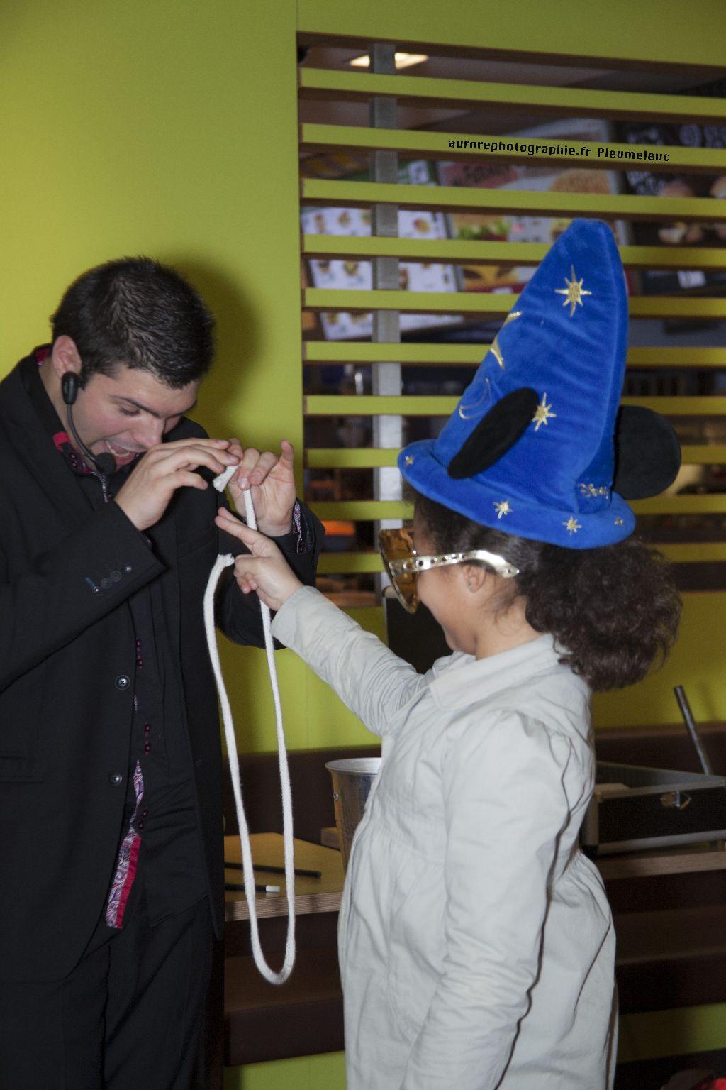 Spectacle de magie - magicien enfants - spectacle McDo - Magie Magicien -55
