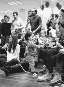 arbre-de-noel-de-yahoo-2015-spectacle-de-magie-pour-enfants-elvine-le-magicien-112
