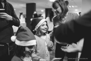 arbre-de-noel-de-yahoo-2015-spectacle-de-magie-pour-enfants-elvine-le-magicien-78